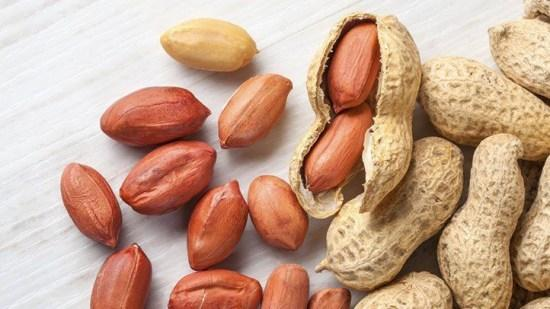 eating-nuts-adds-up-to-longer-life-722x406