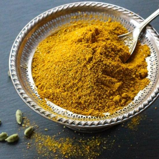 golden-curry-powder-blend